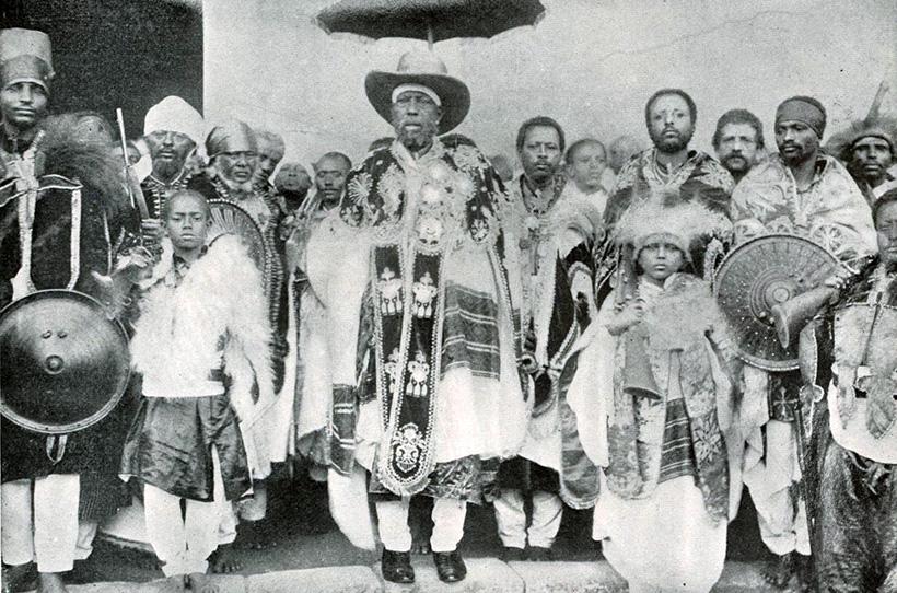 Негус Менелик II и его свита.